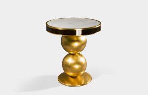 Tavolino in oro e bianco carrara 1